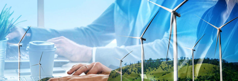 Een afbeelding met op de achtergrond het beeld van twee mensen achter een bureau. Op de voorgrond zonnepanelen en windmolens.